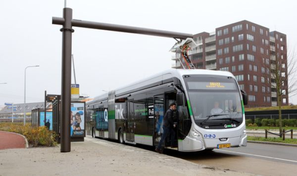 OV-bureau Groningen Drenthe zet 10 elektrische bussen in op traject Groningen - Zuidhorn