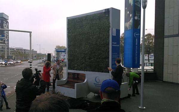 Met Green CityTree zuivert Waterbedrijf Groningen de lucht bij drukke Griffeweg
